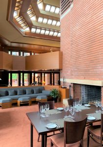 Wingspread Resort Lounge